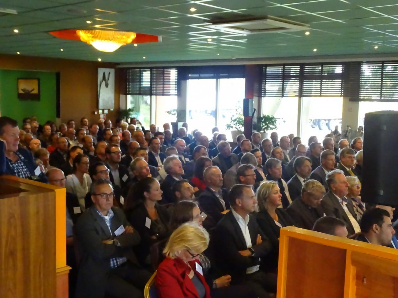 Bijna 200 ondernemers bijeen voor regionale Miljoenenlunch in Zeewolde!