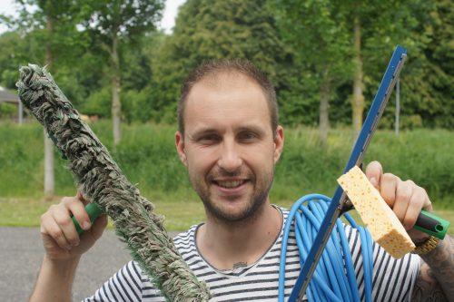 De ondernemersmicrofoon met Rolf de Wild van Glasbewassing Nederland